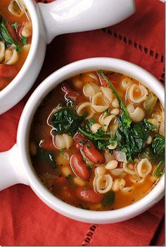 Olive Garden Inspired Minestrone Soup from @Kelly Hunt | Eat Yourself Skinny