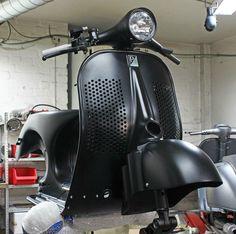 Custom Vespa P with speed holes in legshield Piaggio Scooter, Scooters Vespa, Vespa Bike, Scooter Motorcycle, Motor Scooters, Scooter Custom, Custom Bikes, Vespa Retro, Vintage Vespa