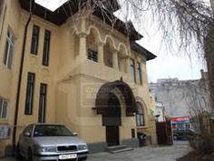 Imagini pentru case neoromanesti Case, Mansions, House Styles, Home Decor, Decoration Home, Manor Houses, Room Decor, Villas, Mansion