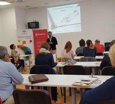 Hoy he tenido el placer de visitar el #ViveroDeEmpresas de #SanPedroAlcantara y compartir una sesión sobre #MarketingDigital con empresarios y emprendedores de la zona. @aemprende @centroplazamarbella #CámaraDeComercioMálaga
