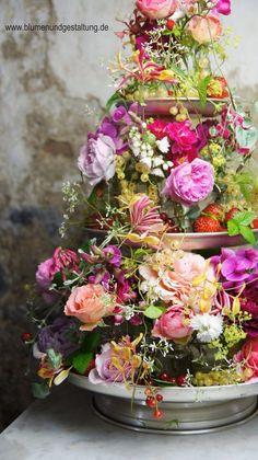 Ulrich Stelzer - Blumen & Gestaltung  http://www.blumenundgestaltung.de/