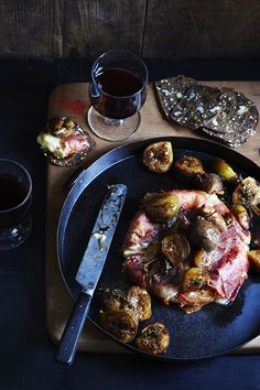 PROSCIUTTO BAKED BRIE AND ROASTED FIGS