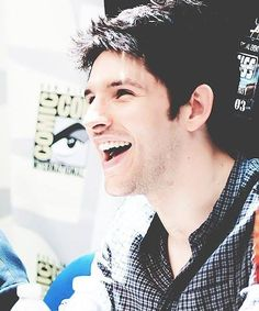 Colin Morgan; adorbs