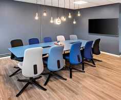 Create inviting work spaces that inspire people and make them feel more comfortable!  In the photo an exclusive conference table produced by Haugstad Norwegian traditional furniture manufacturers with durable and sleek Formica surfaces.  Photo and project by @haugstad_furniture  Follow us! @formicagroupeu  #formica #formicagroupeu #meetingroom #table #conference #conferenceroom #interiordesign #surface #industrialdesign #officedesign #interiorarchitecture #furniture #laminate #designs…