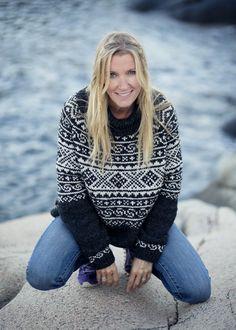 Setesdals twist - Norwegian sweater pattern by Katrine Hammer Fair Isle Knitting Patterns, Knitting Charts, Sweater Knitting Patterns, Free Knitting, Knitting Socks, Vintage Knitting, Knitted Booties, Baby Booties, Aran Weight Yarn