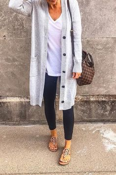 Cardigan outfits, dress with long cardigan, maroon cardigan outfit, casual Adrette Outfits, Fashion Outfits, Fashion Trends, Fall Outfits, Casual Mom Outfits, Casual Night Out Outfit, Fall Casual Dresses, Casual Wear, Comfy Work Outfit