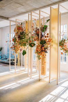 Оформление мероприятий живыми цветами workshop Wedding Decorations, Table Decorations, Floral Style, Eccentric, Weeding, Arch, Tropical, Wreaths, Inspiration