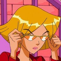 i don't usually post cartoons but clover from totally spies is such a vibe . i don't usually post cartoons but clover from totally spies is such a vibe 🌸