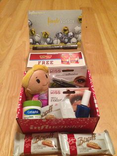 """#JingleVoxBox all the way thanks to @Influenster!!! #Cheerphil #MyBiscoffBreak #OreIdaTotchos #IttyBittys #CityProofNYC #KissLashes #PureIce (I received these products complimentary from Influenster for testing purposes."""")"""