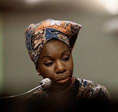 Misscaffeine - Senta que lá vem história: Nina Simone