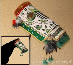 Horse mask in lakota style. Beadwork lazy and overlay stitch, quillwork. Horse mask in lakota style. Native American Face Paint, Native American Horses, Native American Regalia, Native American Photos, Native American Artifacts, Native American Beadwork, American Indian Art, Native Canadian, Horse Mask