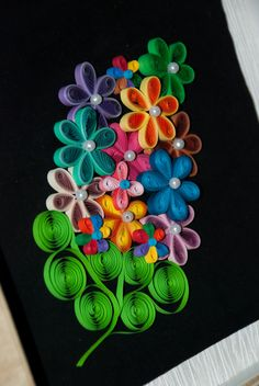 Laurus Cassia: Double Toned Quilled Flowers...