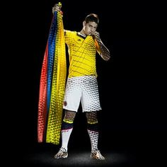 James Rodriguez of the Colombian men's soccer team. James Rodriguez Colombia, Good Soccer Players, Football Players, Soccer Teams, Colombia Football Team, Colombian Men, James Rodriquez, Soccer Party, Fifa World Cup