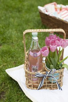 Picnic In The Park With Caitlin Wilson Textiles | theglitterguide.com