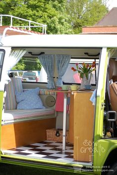 A lovely combination of spring colours really makes this van individual. Vw Camper, Vw Bus, Volkswagen, Bus Interior, Campervan Interior, Combi Vw T2, Wolkswagen Van, Glam Camping, Kombi Home