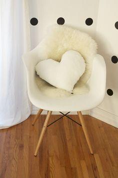 Heart Shaped Pillow | cojín mecedora