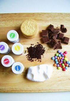 Zwarte Piet koekjes...Zwarte Piet cookies... - silly old suitcase