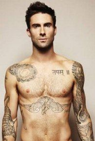 Adam Levine... Hellooooo tattoos :)