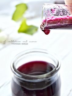 sciroppo di uva fragola e fichi d'india Waffle, Red Wine, Alcoholic Drinks, India, Glass, Food, Rajasthan India, Drinkware, Corning Glass