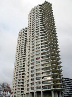 """Rennes - Tours """"Les Horizons""""  Architecte: Georges Maillols  Construction: 1970-1971"""