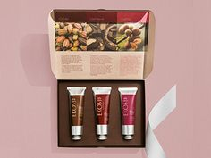 Presente Natura Ekos Polpas Mãos Possui uma caixa decorada presenteável, perfeita para um presente bonito e delicado.