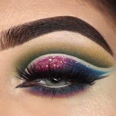 Deer Makeup, Bridal Eye Makeup, Eye Makeup Art, Eye Makeup Tips, Makeup Videos, Eyeshadow Makeup, Beauty Makeup, Double Winged Eyeliner, Makeup Rooms
