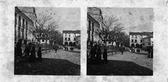 Praza de Afonso XIII. Mondoñedo, Lugo. Ca. 1910. Imaxe estereoscópica. Placa de cristal de bromuro lento e clorobromuro rápido. 8,9 x 17,8 cm.