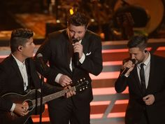 Dan + Shay and Chris Young performed a Statler Brothers