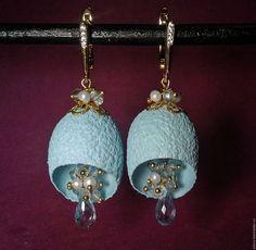 Купить Серьги из голубого топаза, жемчуга и кокона шелкопряда - голубой топаз натуральный
