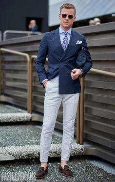 Street Style Inspiration Shop Men's Handmade. Modern Mens Fashion, Mens Fashion Blog, Mens Fashion Suits, Look Fashion, Fashion Tips, Street Fashion, Fashion Brands, Luxury Fashion, Der Gentleman
