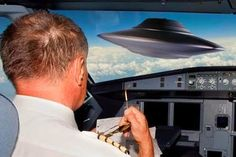 """Ex Pilot of Obama Admits Alien Encounter and says that """"Virtually All"""" airmen believe in UFOs"""