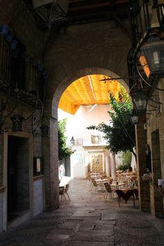 Calleja de La Luna, entrada al barrio judío. Córdoba