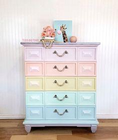 Diy Furniture Flip, Do It Yourself Furniture, Upcycled Furniture, Table Furniture, Furniture Makeover, Dark Furniture, Furniture Ideas, Kids Painted Furniture, Pastel Furniture
