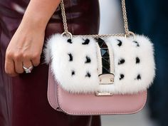 Valentino bag at NYFW Details in street style Coach Handbags, Coach Purses, Purses And Handbags, Coach Bags, Chanel, Valentino Bags, Valentino Couture, Spring Street Style, Cute Bags