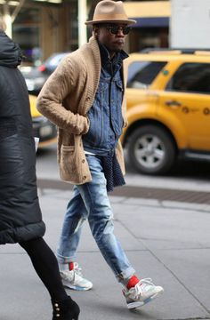 "billy-george: ""Spotted in NYC Photo by Junichi Usida "" Informations About Men's Street Style Pin You Look Street Style, Men With Street Style, Men Street, Street Wear, Style Casual, Casual Outfits, Men Casual, Denim Style, Men's Denim"