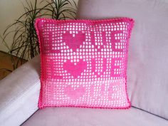 onmyway: Häkelanleitung: Kissenbezug LOVE, 40cmx40cm Throw Pillows, Home, Pillows & Throws, Tutorials, Deco, Toss Pillows, Decorative Pillows, Decor Pillows, Scatter Cushions