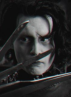 Edward Scissorhands played by Johnny depp Tim Burton Characters, Iconic Characters, Image Cinema, Anthony Michael Hall, Young Johnny Depp, Johny Depp, Edward Scissorhands, Corpse Bride, Beetlejuice
