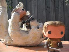 Someone made this Gif of Jaime saving Brienne from a bear and it might be the cutest thing I've ever seen.