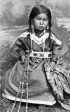 1899 Unidentified Nez Perce girl wearing necklaces over beaded dress holds shawl . Native Child, Native American Children, Native American Pictures, Native American Beauty, American Indian Art, Native American History, American Indians, American Symbols, American Girl
