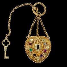 Antique Gold & Garnet Locket    1928  Vintage Jewelry