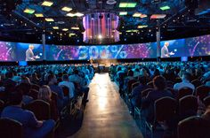360 degree view of centre stage. Great for conferences!