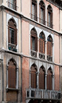Facade of Venice - Venice has a rich and diverse architectural style, the most famous of which is the Gothic style. Venetian Gothic architecture is a term given to a Venetian building style combining use of the Gothic lancet arch with Byzantine,Ottomanand a lot of Phoenician architecture influences.