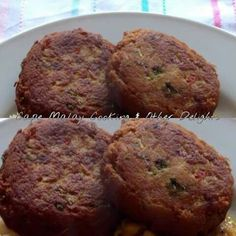 Tuna Fish Cakes Tuna Fish Cakes, Ramadan Recipes, Afrikaans, Sea Food, Curries, Banana Bread, Foodies, Cape, Muffin
