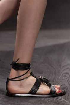 Valentino (Close Up) - photo 92