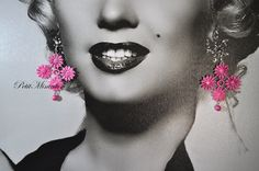 Orecchini pizzo macramè italiano,colori fluo alla moda, swarovski,made in italy. Orecchini in pizzo realizzata a mano,con pizzo italiano,e con applicazione swarovski Earrings Italian macramé lace, neon colors fashion, swarovski, made in italy.  Lace earrings hand-made, with Italian lace, and application with swarovski
