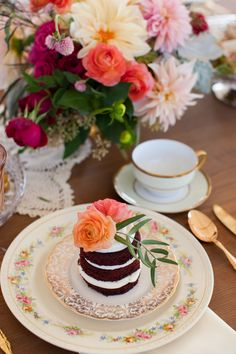 Colleen Riley Photography   Dogwood Party Rentals   Northern California Vintage Rentals   Vintage Wedding Rentals