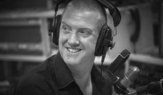 Josh Homme de Queens of the Stone Age reemplazó a Jarvis Cocker en la radio