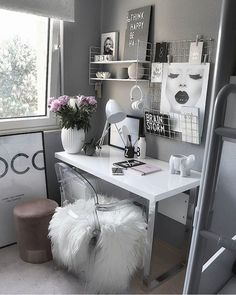 Over 25 small home office ideas for men and women (space-saving layout .,Over 25 small home office ideas for men and women (space-saving layout) - home office ideas room decoration room decor room de. Cozy Home Office, Home Office Design, Home Office Decor, Home Decor Bedroom, Cozy Bedroom, Office Designs, Desk In Bedroom, Modern Room Decor, Grey Home Decor