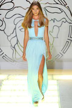 Milan-Fashion-Week-Spring-2012-Versace-36.jpg 320×480 pixels