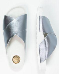 Shoeshibar SALINAS Klapki metallic silver